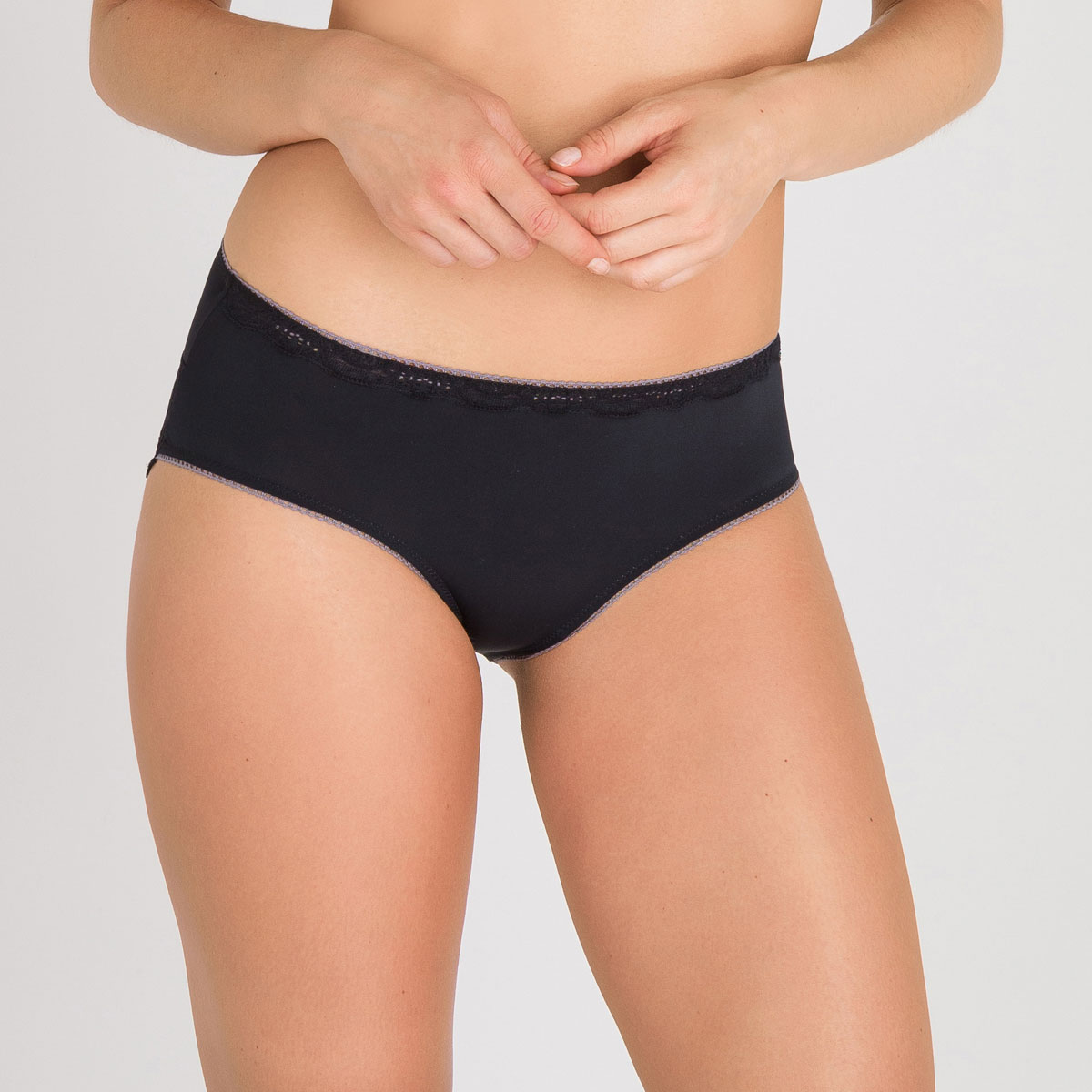 Midi Brief in Black – Invisible Elegance-PLAYTEX