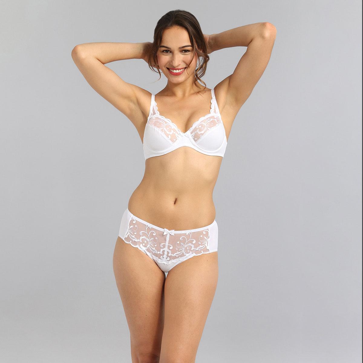 Underwired bra in white Essential Elegance Embroidery, , PLAYTEX