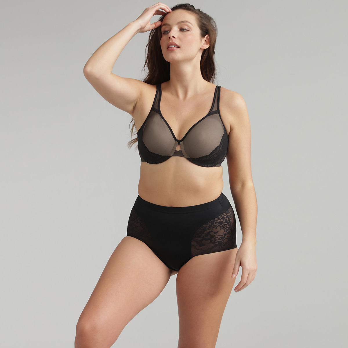 Minimiser bra in black Expert In Silhouette, , PLAYTEX