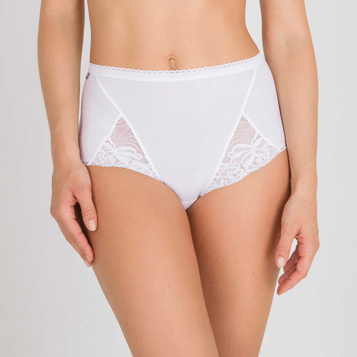 3 Pack of Full Knickers in White – Cotton & Lace, , PLAYTEX