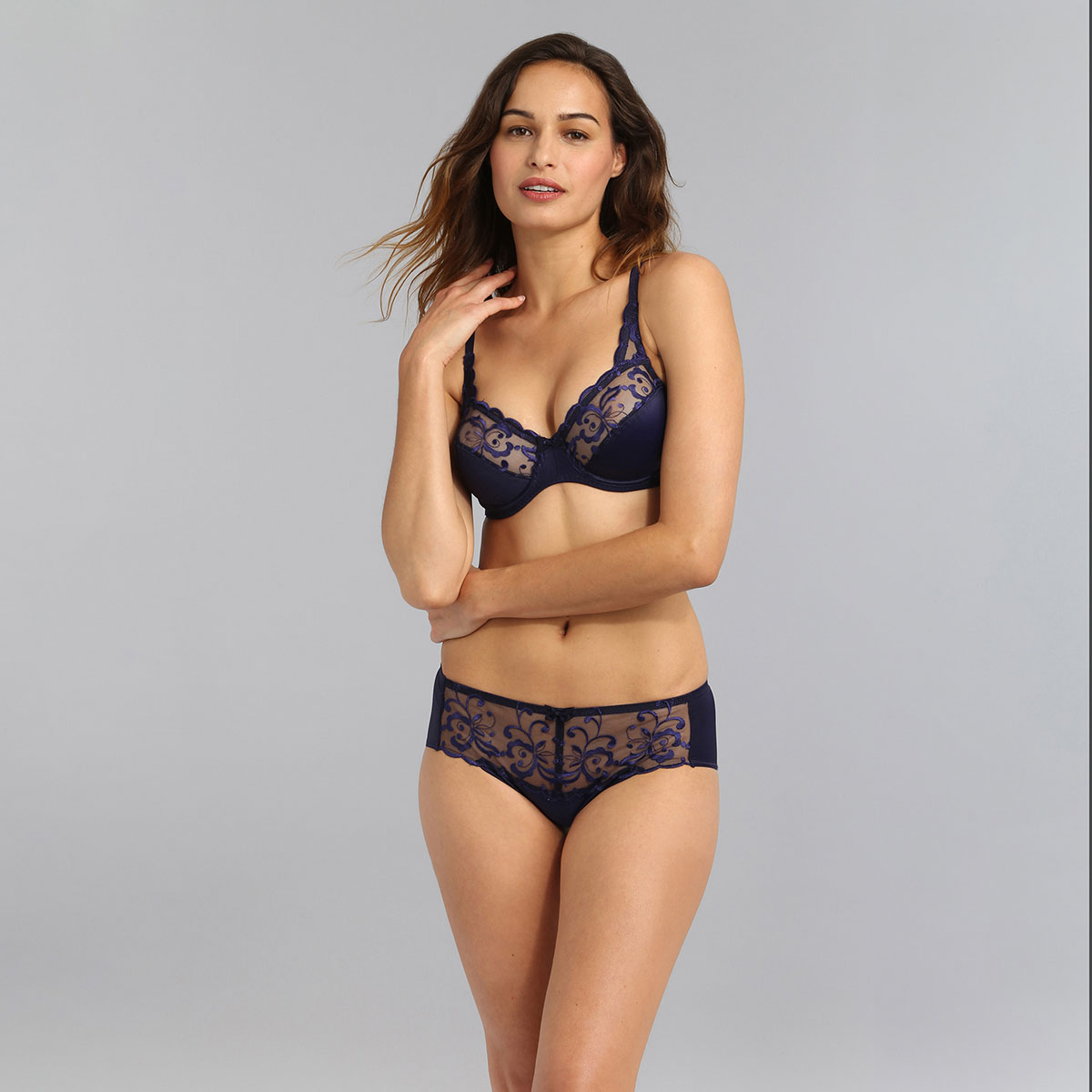 Midi knickers in navy Essential Elegance Embroidery, , PLAYTEX