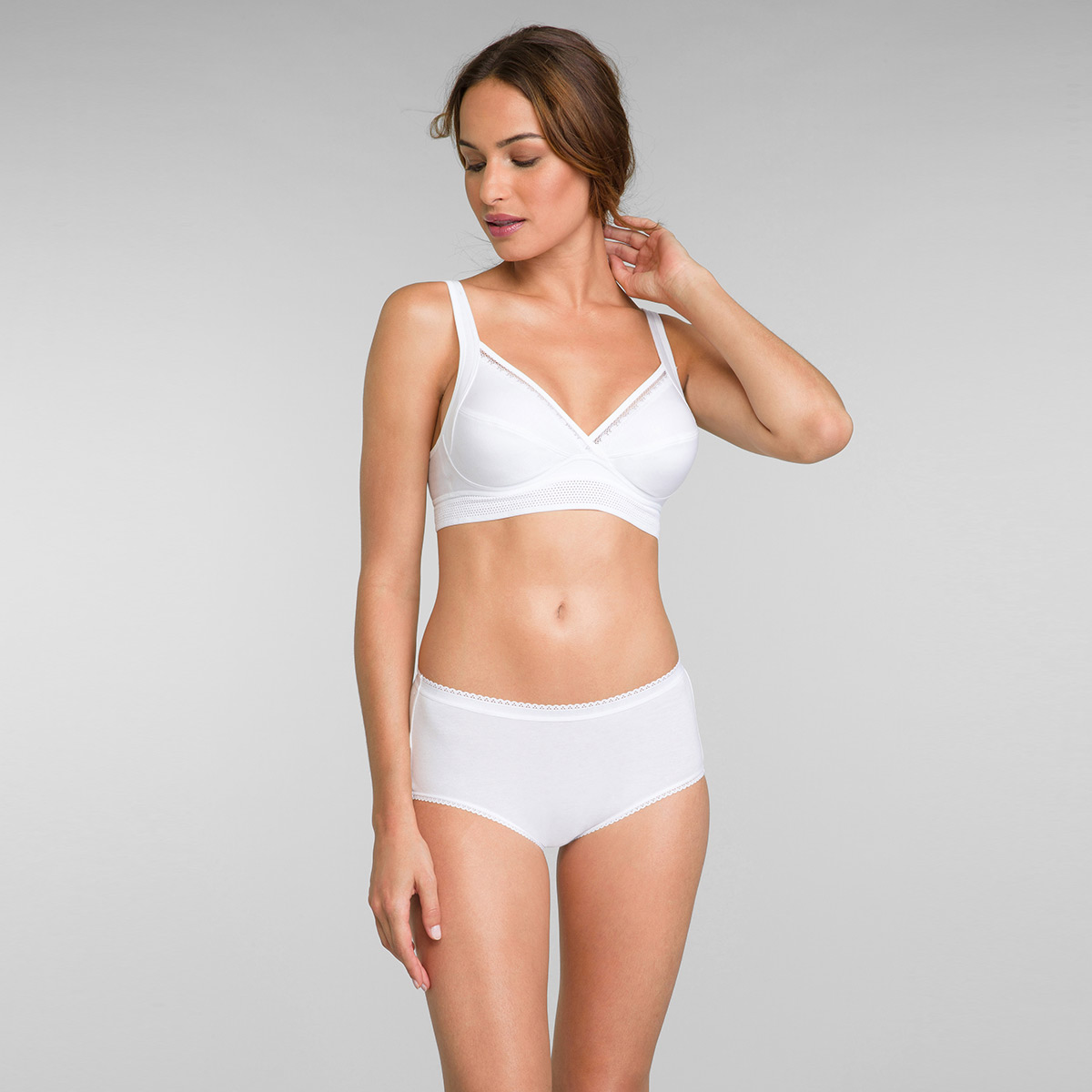 Non Wired Cotton Bra in White Feel Good Support, , PLAYTEX