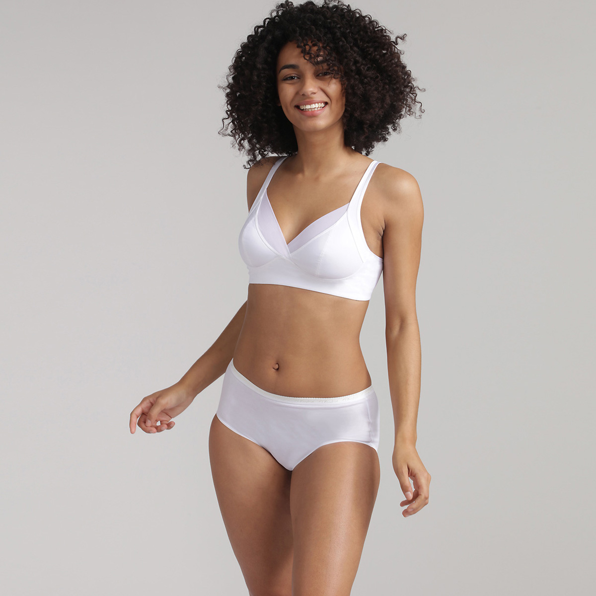 White wireless bra Feel Good Support, , PLAYTEX