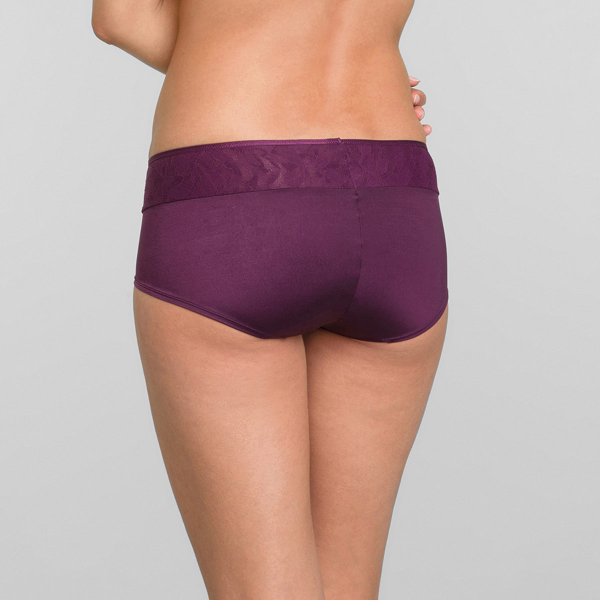 Shorts in Dark Boysenberry Ideal Beauty Lace, , PLAYTEX