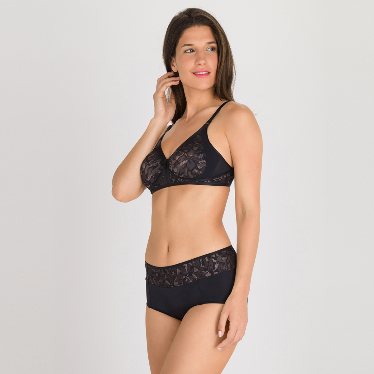 Sujetador sin aros negro gris - Ideal Beauty Lace, , PLAYTEX