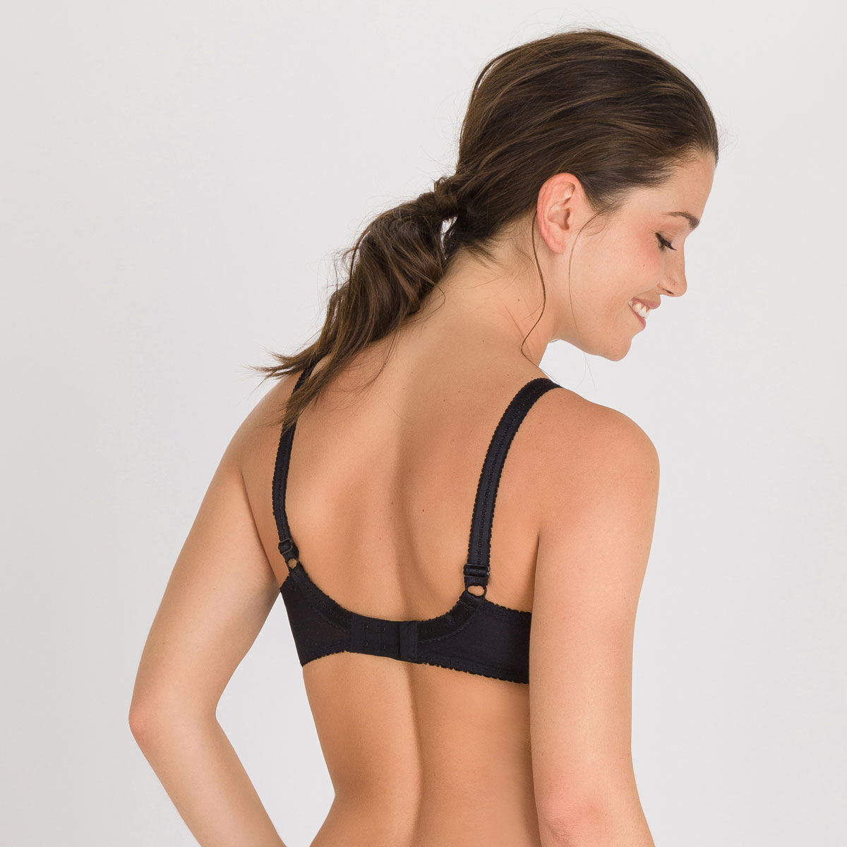 Full cup bra in black Classic Lace Support, , PLAYTEX