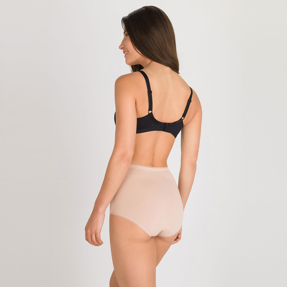 3 Cotton Maxi Briefs in nude – Stretch Cotton-PLAYTEX