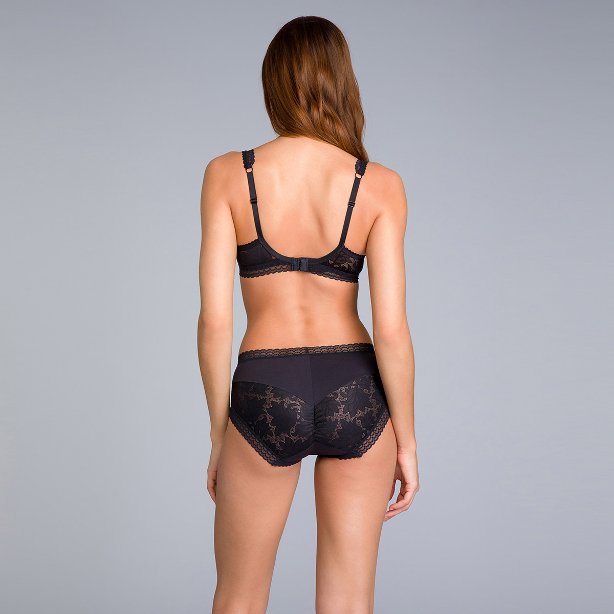 Midi Knickers in Black Lace - Invisible Elegance - PLAYTEX