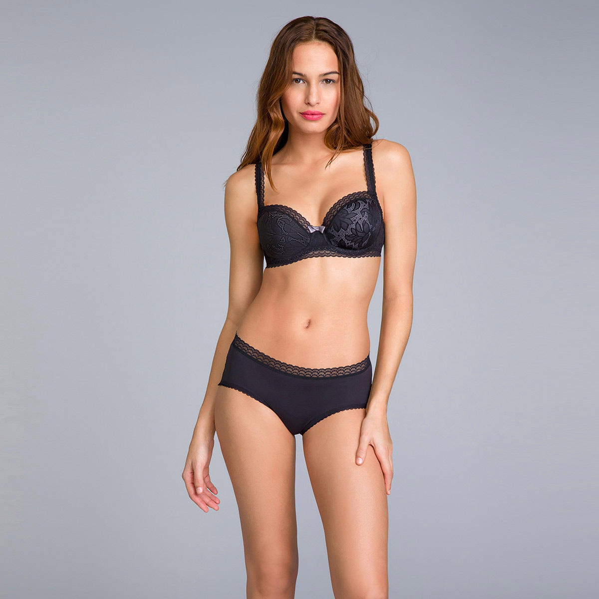 Balcony Bra in Black Lace - Invisible Elegance, , PLAYTEX